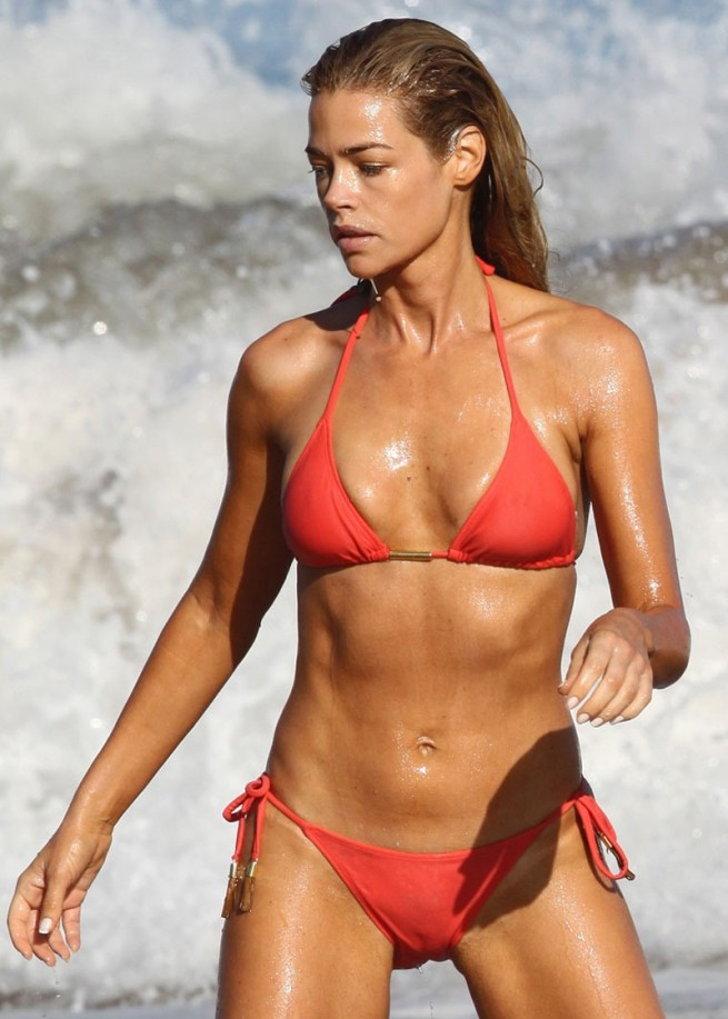 DEnise richards bikini pics and cameltoe…